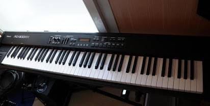 Photo Roland RD-300gx digital stage piano keyboard - $550 (Springfield)