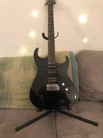 Photo Samick Greg Bennett Interceptor Electric Guitar - $120 (Eugene)