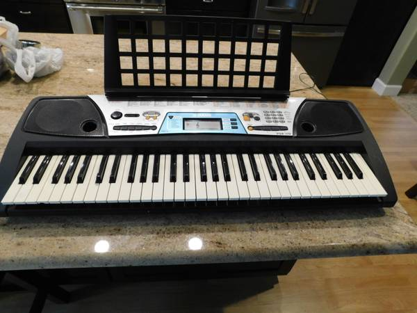 Photo Yamaha PSR-170 Portable Keyboard - $95 (Eugene)