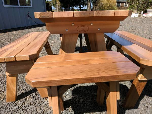 Photo cedar and redwood picnic tables, chairs, benches, outdoor furniture - $500 (harrisburg)