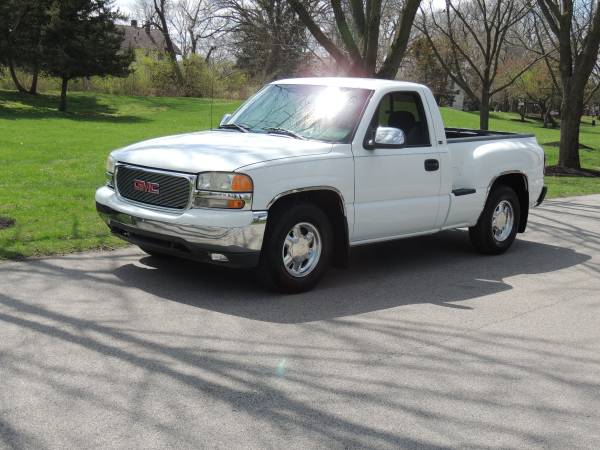 Photo 00 GMC Sierra Shortbed Stepside - $5995 (Terre Haute)