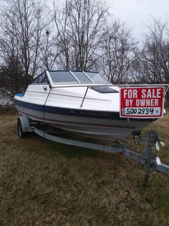 Photo 1992 Bayliner Boat Cuddy - $3,500 (River Rd)