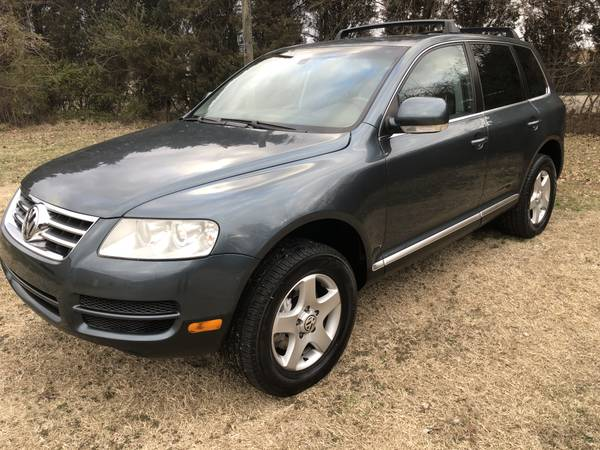 Photo 2006 VW Touareg Leather AWD Low Miles Immaculate - $7950 (Evansville)