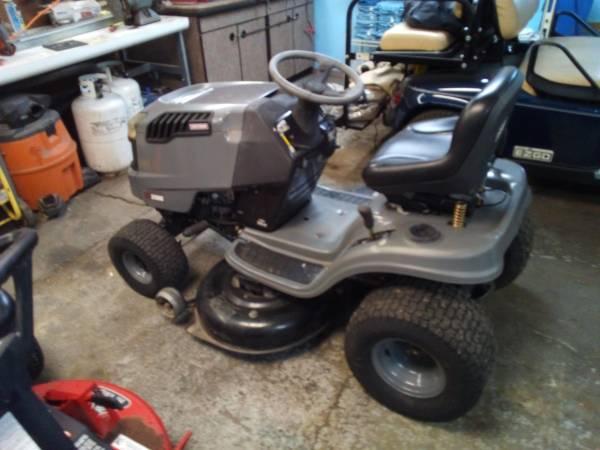 Photo 2008 Craftsman 42 inch cut riding mower has 20hp Briggs $500 - $500 (Evansville)