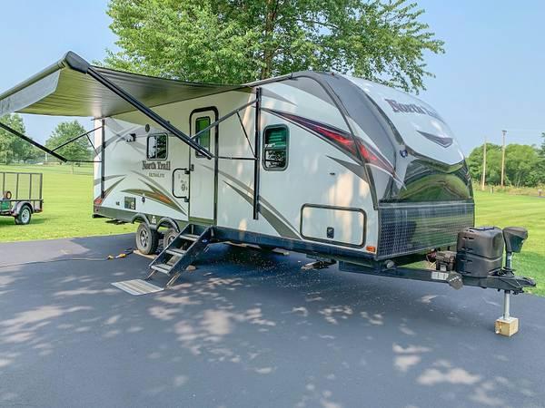 Photo 2019 Heartland North Trail 22FBS Travel Trailer - $21,900 (Charlestown Indiana)