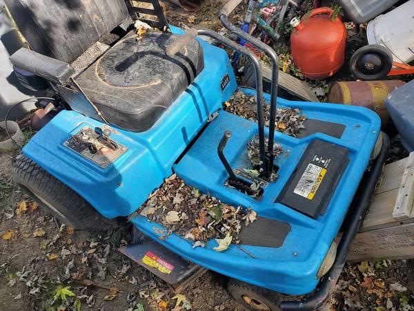Photo 2 Dixon Zero Turn Lawn Mowers - $200 (Elberfeld)