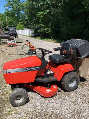 Photo 38 simplicity lawn tractor - $300 (Evansville)