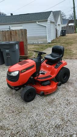 Photo Ariens riding mower - $350 (Evansville)