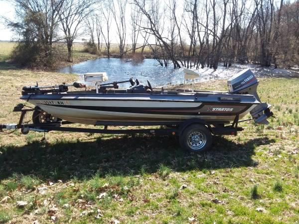 Photo Bass Boat -1999 Stratus 16 ft - $3495 (Crossville)
