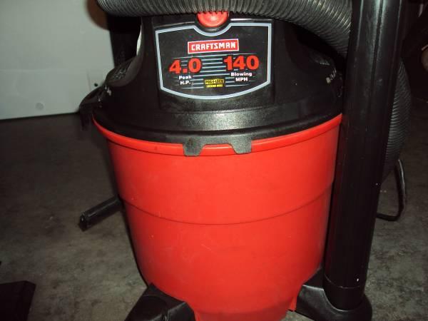 Photo Craftsman Shop Vacuum 4.0 H.P. - $50 (Newburgh)
