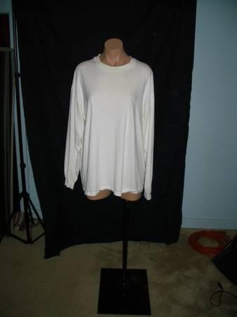 Photo Female mannequin - $55 (Bloomington)