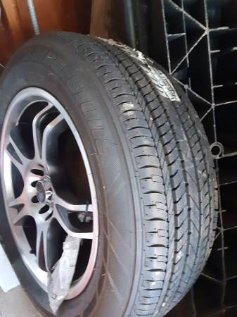 Photo Jeep spare tire 22560.17 - $100 (Evansville)