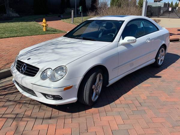 Photo LIKE NEW MERCEDES-BENZ...LOW LOW MILES - $9900 (Owensboro KY)