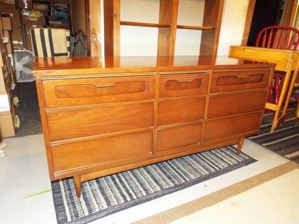 Mcm Bassett Royal Dane Dresser Set 2100 Evansville Furniture For Sale Evansville In Shoppok,Home Garden Plants Names And Pictures