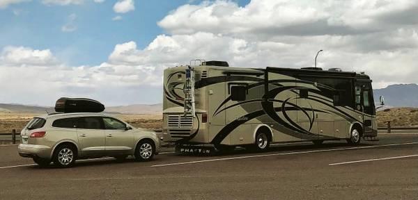 Photo Motorhome with tow car - $120,000 (Eddyvile, KY)