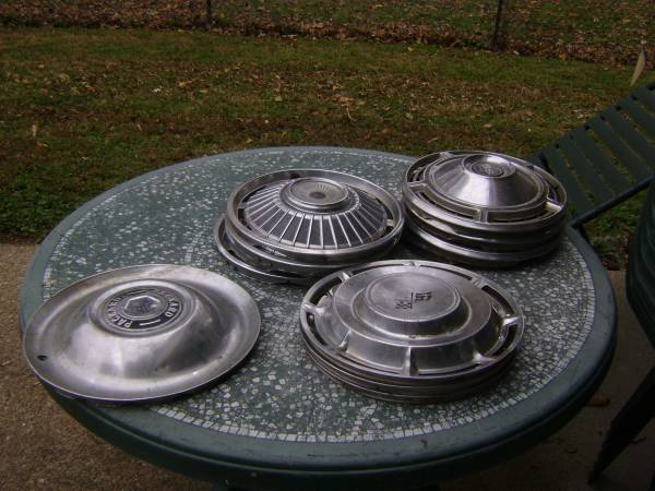 Photo OLD HUBCAPS CHEVY PACKARD SS396 - $5