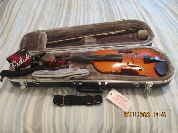 Photo VIOLIN  YAMAHA V5 FULL SIZE 44  BEAUTIFUL  ACCESSORIES INCLUDED - $400 (east Louisville)
