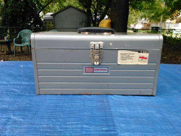 Photo Vintage, Craftsman Metal Tool Box w misc. stuff - $30 (Evansville)