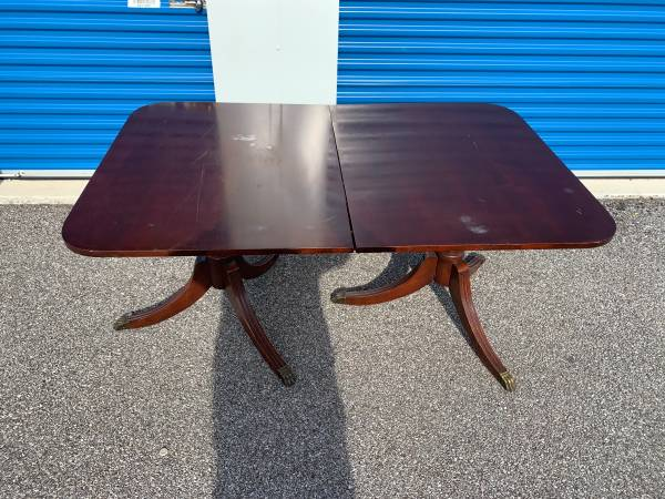 Photo Vintage kitchen table - $50 (Evansville)