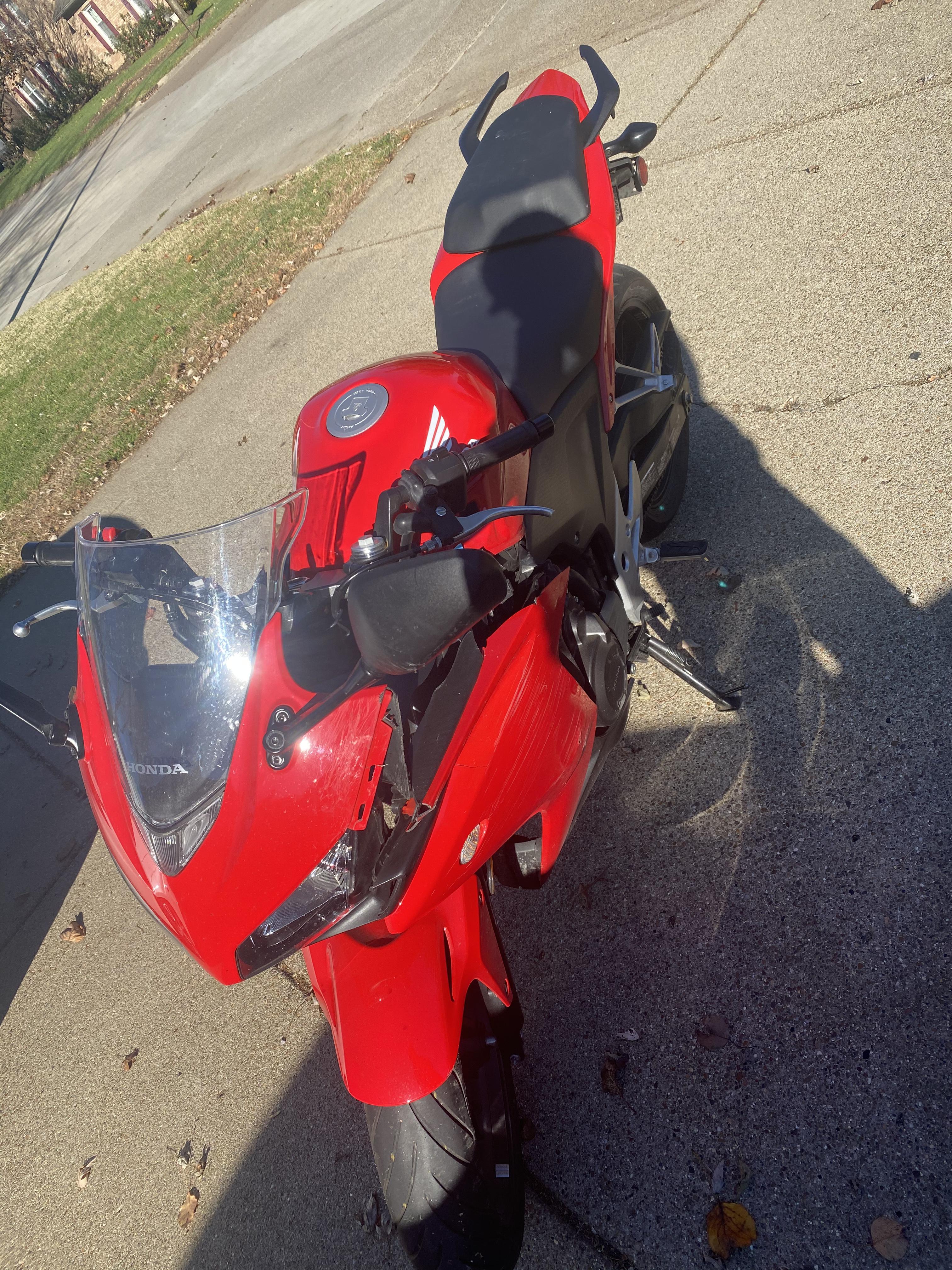 Photo 2013 Honda CBR 500R $300075.9075.90