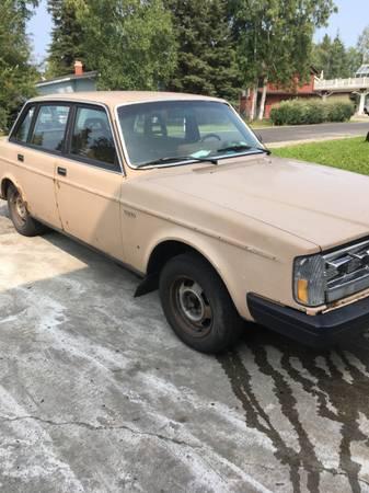 Photo 1984 Volvo - $650 (Fairbanks)