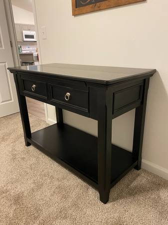 Photo Ashley Furniture End Table and Sofa Table - $250 (North Pole)