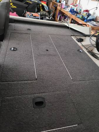 Photo Bass Tracker Pro Team 175 Tournement Special - $25,000 (North Pole)