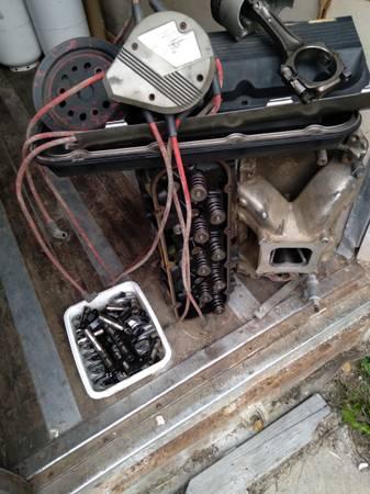 Photo Chevy 454 big block parts - $400 (Nth pole)