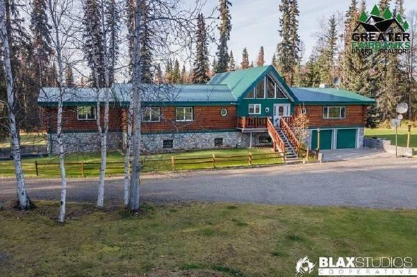 Photo Custom Alaskan Log family home on 8.32 total Chena River Front Acres (2360 Heartland Ave, North Pole, AK 99705)