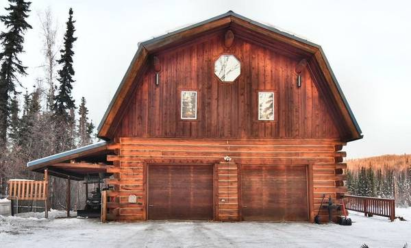 Photo Huge 3 Bedroom Home Just Minutes From Town Pet Friendly (Fairbanks, AK)