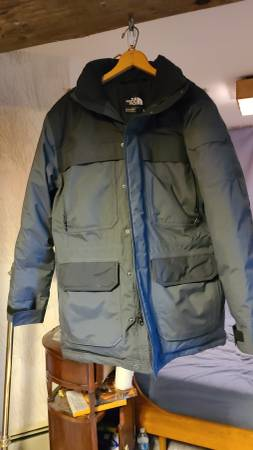Photo NEW North Face McMurdo III jacket - Men39s M - $50 (Fairbanks)
