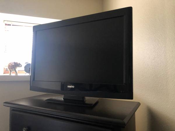 Photo TV with DVD Player built in - $100 (Fairbanks)