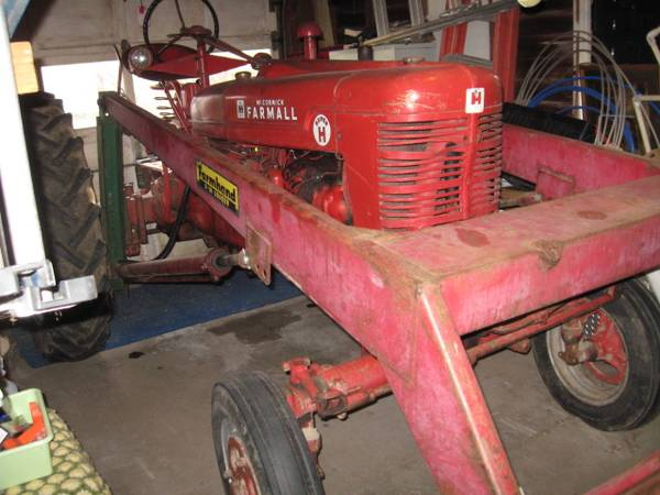 Photo 1953 Farmall Super H Tractor - $2,450 (Rothsay)