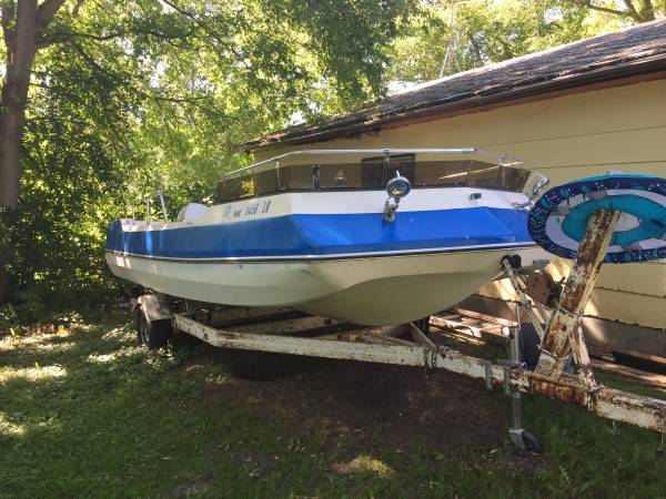 Photo 1976 19 Viking deck boat - $1,500 (Pelican rapids)
