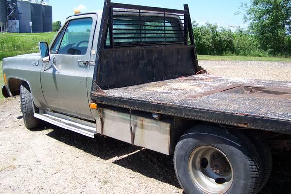 Photo 1978 1 Ton Chevy Flatbed Dually - $2450 (WCMN)