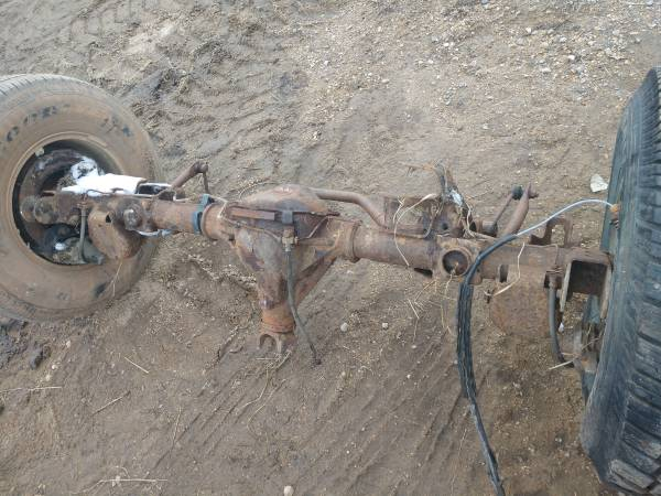 Photo 2000-2005 Suburban Tahoe Yukon Avalanche rear axles complete - $150 (30 miles east of Fargo)
