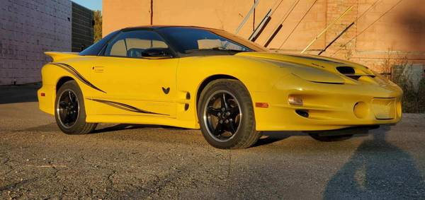 Photo 2002 Pontiac Trans Am WS6 Collector39s Edition - $12,000 (Morris)