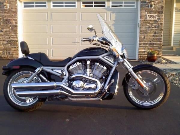Photo 2003 Harley V-Rod 100 Year Anniversary Edition - $6,000 (Baxter)