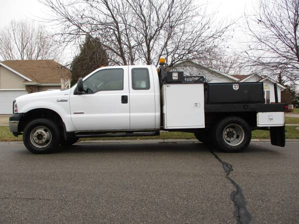 Photo 2006 FORD F350 SUPERDUTY FLATBED - 4X4 - DUALLY - ONLY 112K - NICE.... - $14800 (WEST FARGO)