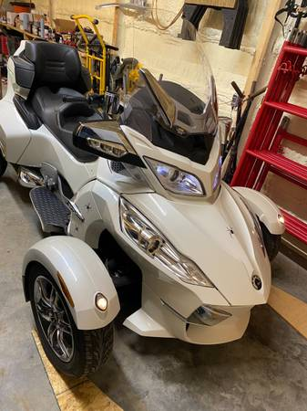 Photo 2012 Can Am RT Limited For Sale - $11,750 (Bemidji)