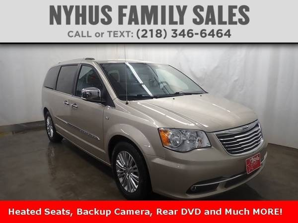 Photo 2014 Chrysler Town Country Touring-L - $13,000 (Delivery Available)