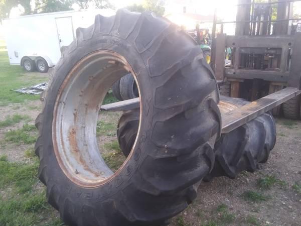 Photo 20.8 x 38 Tractor Tires on John Deere rims JD - $550 (Mooreton ND)