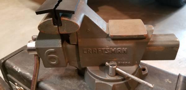 Photo 6quot craftsman heavy duty bench vice - $75 (West Fargo)
