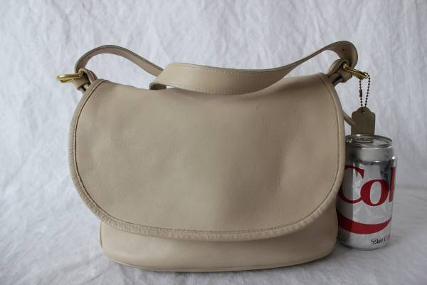 Photo COACH Leather Soho Fletcher Shoulder Crossbody Bag 4150 Off White VTG - $15 (SOUTH FARGO)