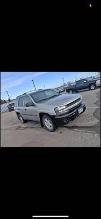 Photo Chevy Trailblazer - $2500 (Fargo)