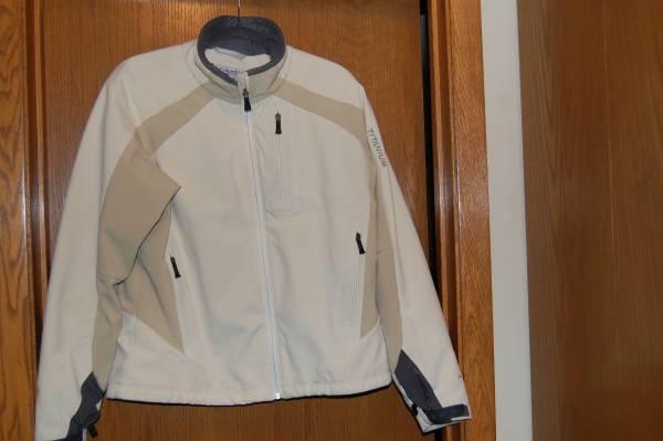 Photo Columbia Titanium Jacket - $25 (South Fargo)