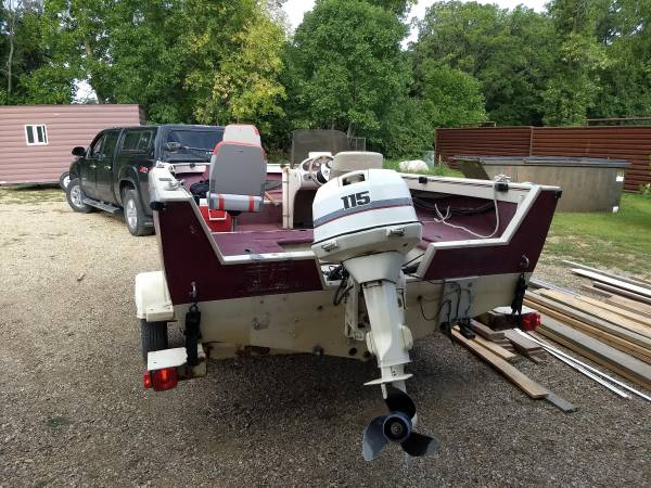 Photo Crestliner Boat - $4,000 (Fargo)