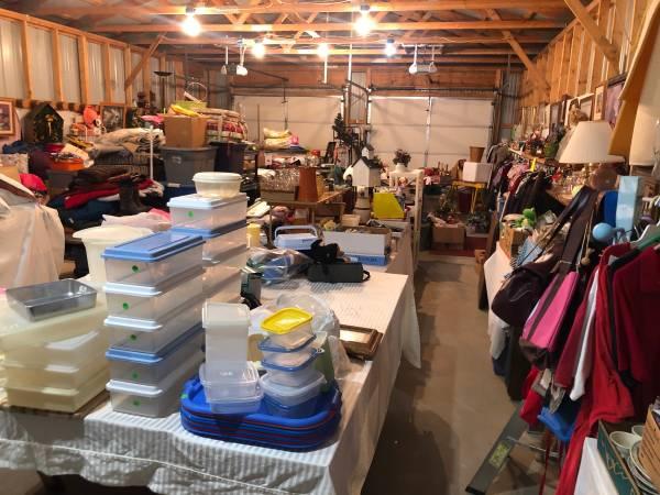 Photo Extra Large Garage Sale (Detroit lakes)