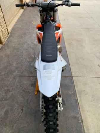 Photo FOR SALE (2) 2020 KTM 125 SX DIRT BIKES - $11,000 (New London)