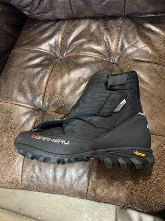Photo Garneau winter fat tire bike boots - $60 (fargo)